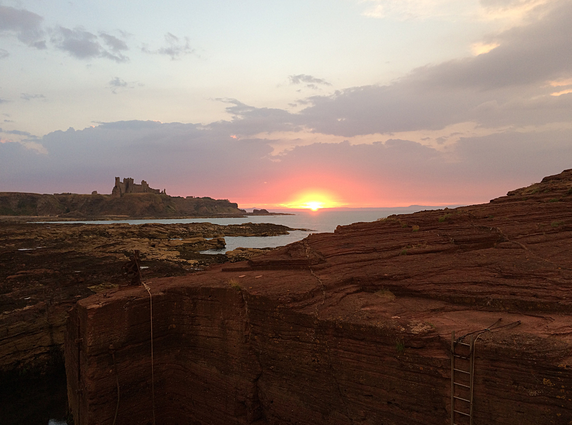 Sunset on Tantallan Castle